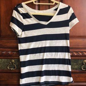 This cute striped shirt